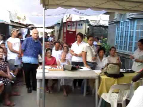 Roilo Golez, free eye check up and free eyeglasses, Sitio GSIS, Bgy San Martin, 28 Nov 2009 (1)