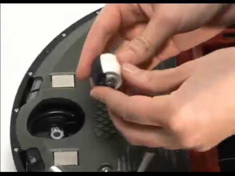 How to remove and clean the Front Wheel on Roomba 500 Series