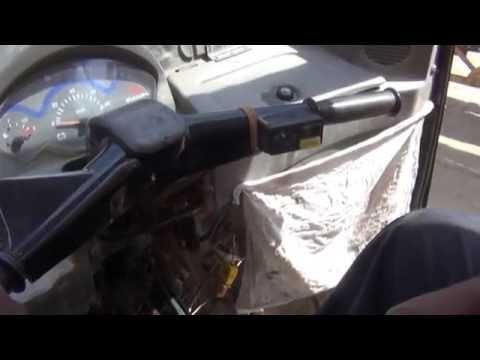 How to drive Indian Auto Rickshaw (Three-Wheeler) (Hindi) (1080p HD)