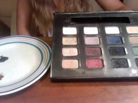 Make Your Own Nail Polish at Home Using Eye Shadow - Tutorial
