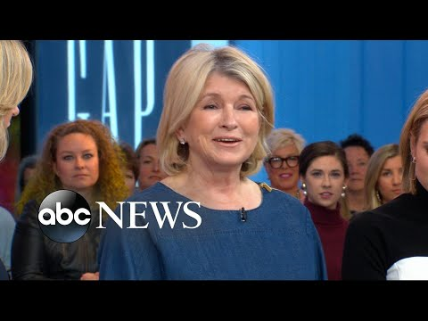 Martha Stewart demos how to make the perfect party centerpieces