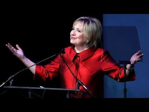 Hillary Getting Award From Harvard