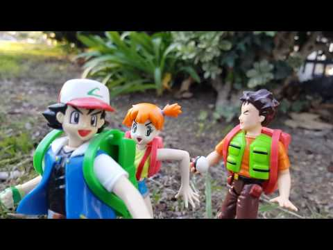 Random Bonus Action Figure Movie #18: Pok'emon In Spanish