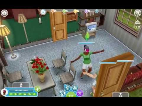 Playing Sims FreePlay : A New Addition To The Family