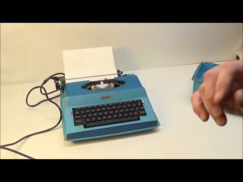 Royal SP-8000 Apollo 10-GT Electric Typewriter in Case