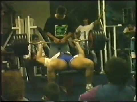 Oberbayerische Raw Bankdrückmeisterschaft in Murnau 1988 3 ter Versuch Ralf Wagner