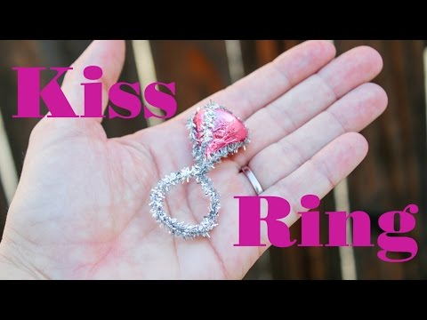 30-Second DIY: Valentine's Kiss Ring
