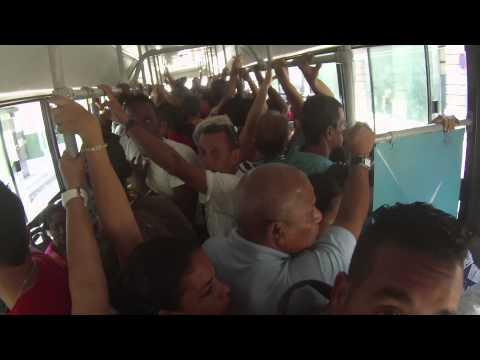 Viajando en Guagua por la Habana. Travelling around Havana in Bus