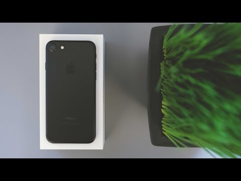 iPhone 7 Unboxing! [4K]