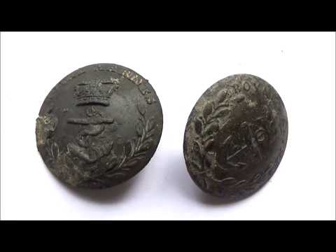 UK mudlarking -  Cache of Royal Marines buttons and a mystery military pin