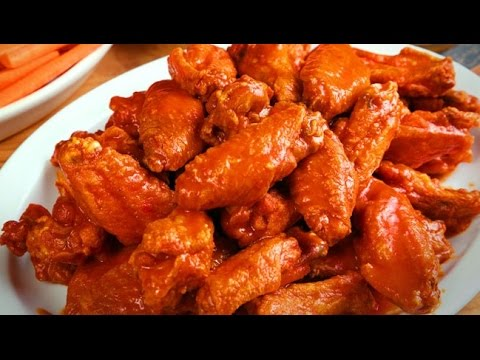 How To Eat Chicken Wings Fast: Teaching My Girlfriend
