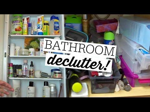 BATHROOM DECLUTTER // DECLUTTERING MY LIFE SERIES