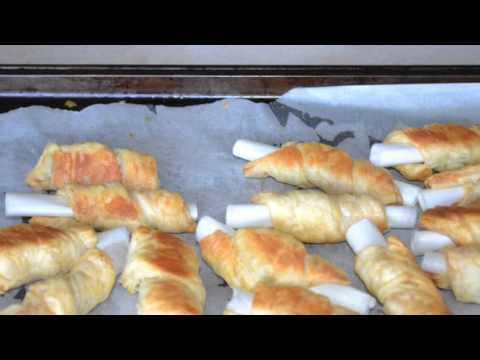 Easy trick to make cream roll shells.