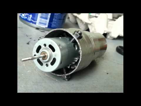 Homemade jet engine   (PHIL-V40237) turbofan