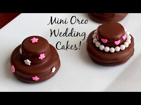 Mini Oreo Wedding Cookie Cakes - DIY Wedding Favors