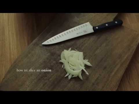 how to chop an onion: slice