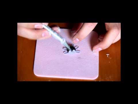 Gumpaste gerbera daisy tutorial