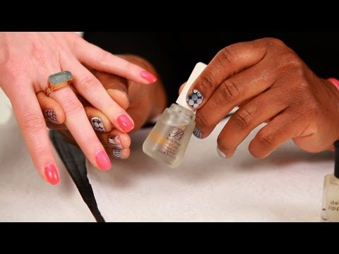 How to Apply a Nail Polish Top Coat | Manicure Tutorials