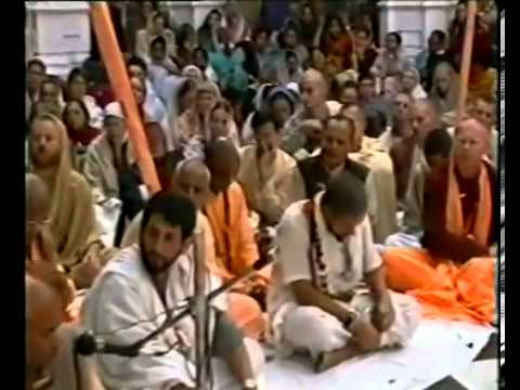 Srila Bhakti Pramode Puri Goswami at KBM Disappearance Day of Srila A.C. Bhaktivedanta Swami Maharaj