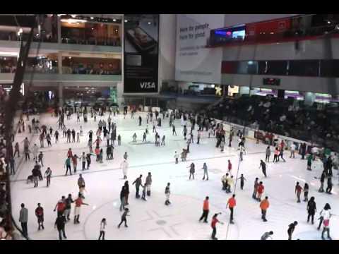 ice skating dubai mall