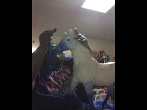 Battat  horse  makeover  how to  make  the  mane and tail  6
