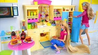 Barbie Doll Kitchen Refrigerator Dining Table Toy Burger Hotdog Dapur Boneka Barbie Boneca Cozinha