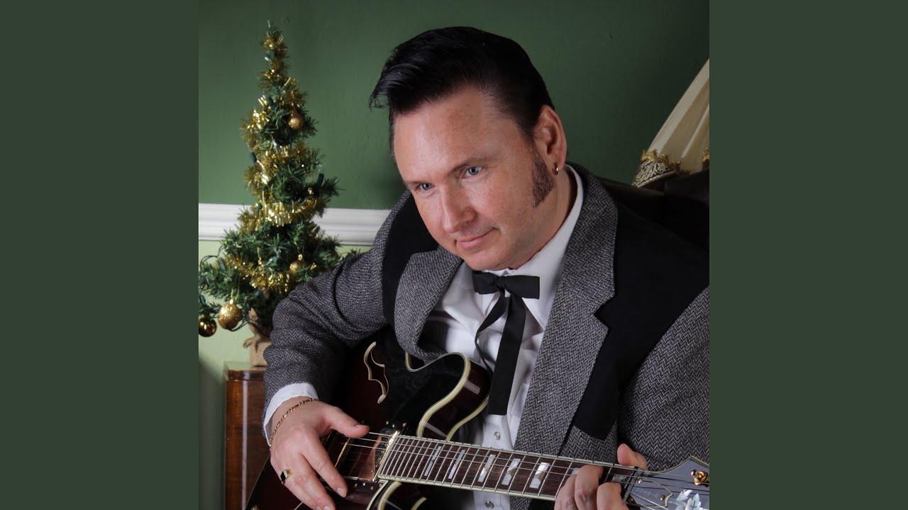 Chris Lane - O Come, All Ye Faithful