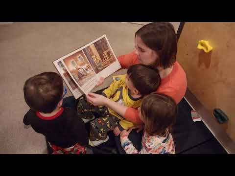 Ten in the Bed - reading with Mommy