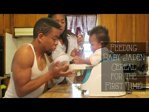 Feeding Baby Jaden Cereal for the First Time! - Roodianne Daily Vlog // 1.9.16