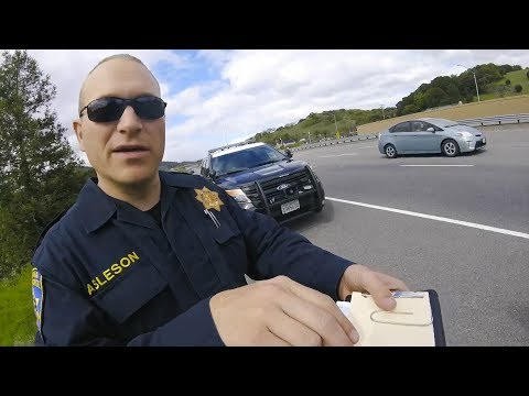 HOW TO GET OUT OF A TICKET | POLICE VS MOTO | [Episode 63 ]
