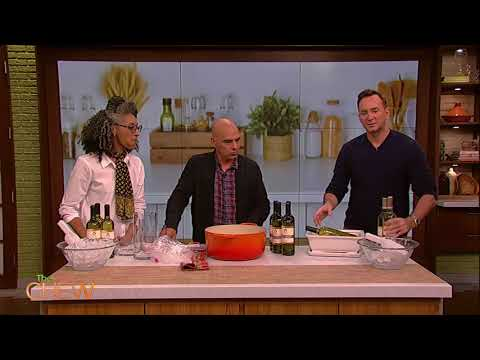Clinton Kelly's DIY Ice Bucket Tips for White Wine | The Chew