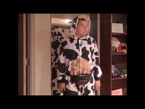 Top 7 Cow-loween Costumes 2015