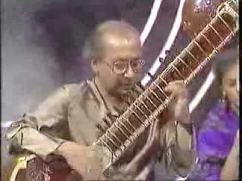 [Video] Raag Kirwani by Pandit Nikhil Banerjee with Pandit Anindo Chatterjee (Tabla) at Eastern Eye