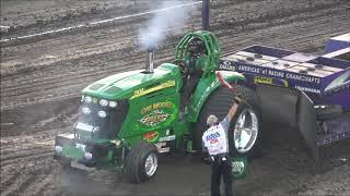 Lucas Oil Pro Stock Semis Pulling at The Buck - Vidly xyz