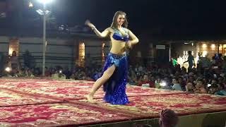 Belly Dance In Dubai Desert Safari الرقص الشرقي الشرقي الشرقي