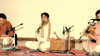Tanvir Thaper singing a song Tu Jug Jug Jeeve.