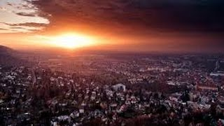 Hamza Yusuf Signs End Of Days - 2017 HD
