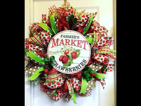 How to make a poof ruffle Strawberry Market wreath