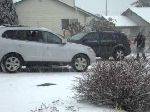 Oak Harbor drivers + snow = ungood