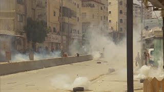 Israeli soldiers fire tear gas, rubber bullets at Palestinian protesters