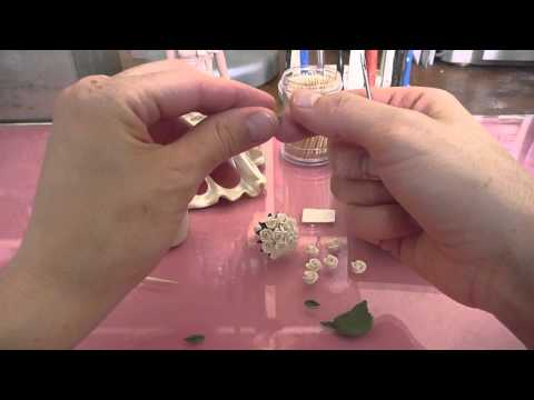 How to make a miniature rose posy for a wedding cake topper, by Sweet Frost Tops