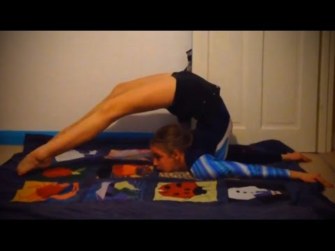 How to get a flexible back with Jess and Naomi!