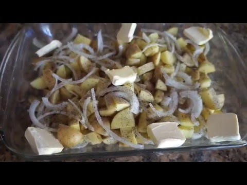 Oven roasted potatoes with onion