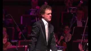 Funny! Orchestra Plays Microsoft Windows™ The Waltz