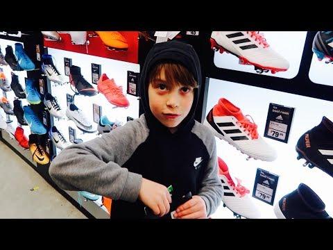 ⚽️JOSS GETS NEW KIDS SIZE FOOTBALL SOCKS AND SHIN GUARDS⚽️