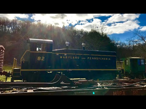 Maryland & Pennsylvania Railroad Trains & Town w/ Abandoned HOUSE &School built in 1800