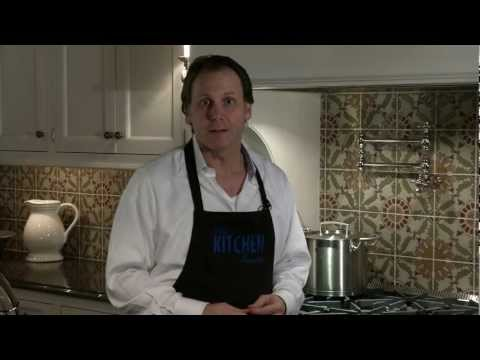 5 How to Make My Kitchen Feel Cozy & Warm Using Black.mp4