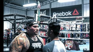 BIG BOY TAKES KNOCKOUT PUNCHES FROM WORLD CHAMPION MIKEY GARCIA | ROBERT GARCIA | ESNEWS