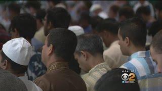 Thousands Gather In Pasadena To Celebrate End Of Ramadan