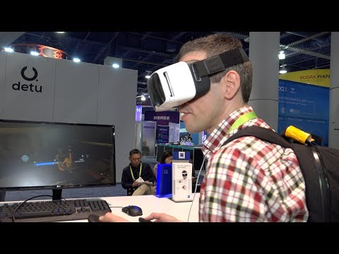 Zeiss VR One Connect : Stream and Play Steam VR Games on a Smartphone - CES 2018 First Look